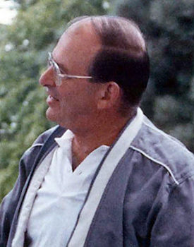 Photo of Bob Rath at a NWREL picnic